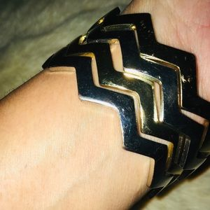 Jewelry - Multiple Zizag Bracelet